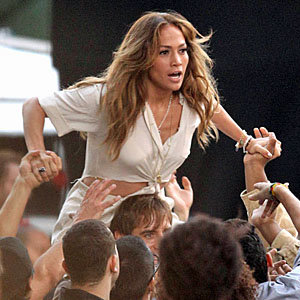 Jennifer Lopez goes wild shooting video for upcoming single Papi