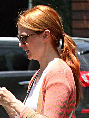January Jones debuts new hairstyle!