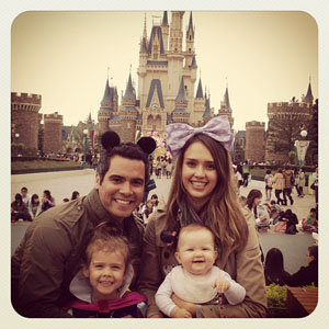 CUTE PICS: Jessica Alba and family at Disneyland!