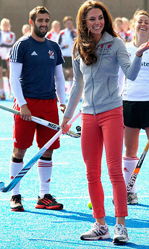 SEE PIC: Kate Middleton plays hockey!