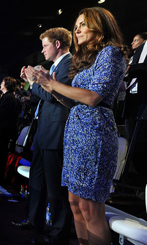 Kate Middleton wears Whistles at the Olympics Closing Ceremony