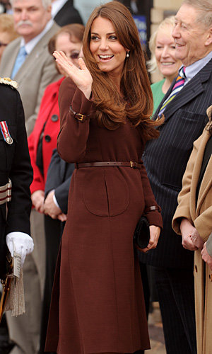 Pregnant Kate Middleton chooses Hobbs for Prince's Trust visit