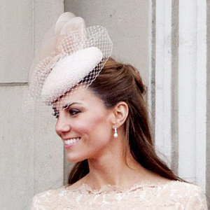 Kate Middleton's fake pearls cause online frenzy