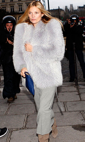 Kate Moss wows in fluffy coat!