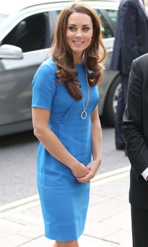 Kate Middleton wears Stella McCartney to visit the National Portrait Gallery!