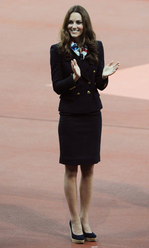 Kate Middleton presents medals at the Paralympics!