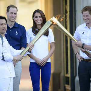 Kate Middleton and Prince William greet the Olympic torch!