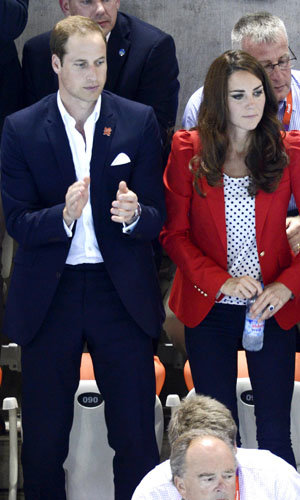 Kate Middleton cheers on the British swimming team!
