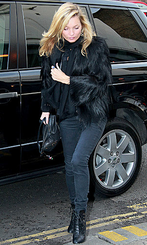CHECK OUT Kate Moss' cosy winter style!