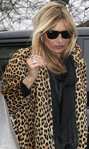 Kate Moss works leopard print!