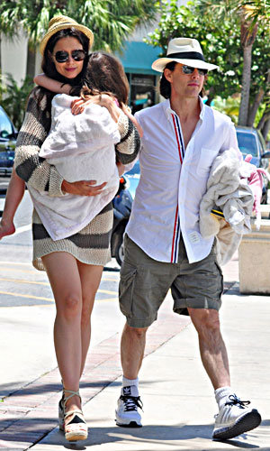 SEE PIC: Tom Cruise and Katie Holmes on holiday!