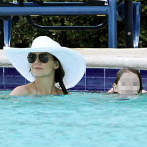 Katie Holmes takes Suri for a splash in Miami