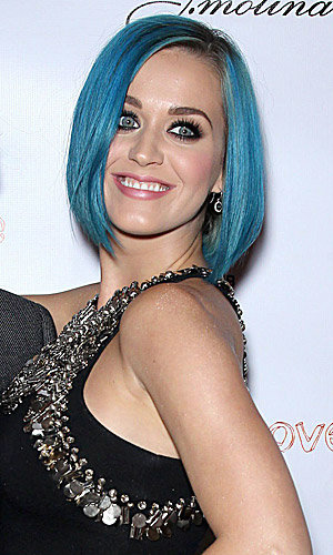 WOW! Katy Perry shows off her new blue bob