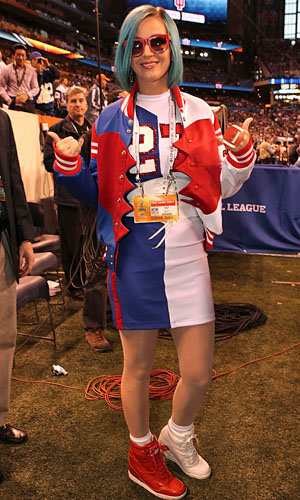 Katy Perry gets in the Super Bowl spirit!