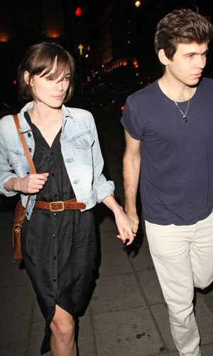 FIRST LOOK: See Keira Knightley's engagement ring!