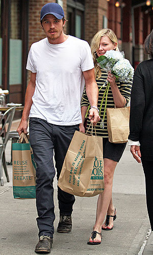Kirsten Dunst and Garret Hedlund look loved up in NYC