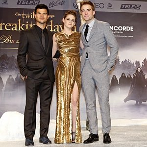 Twilight: Breaking Dawn Part 2 smashes box office records