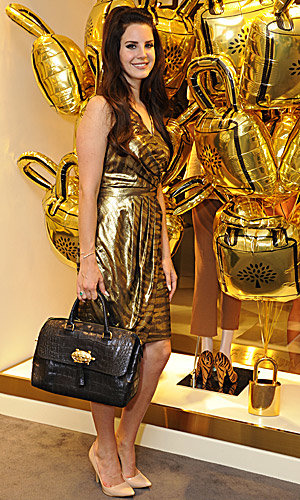 Lana Del Rey launches Mulberry's first store in Asia!
