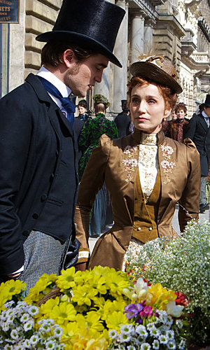 JUST IN: Latest picture from Robert Pattinson's new movie Bel Ami!
