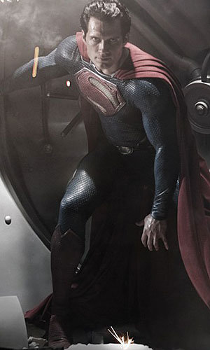 FIRST LOOK! Henry Cavill as Superman!