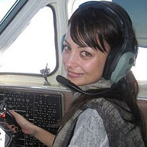PICS: Nicole Richie shows off her flying skills