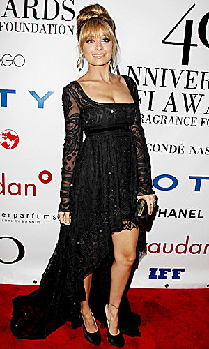 Nicole Richie styles it up at the Fifi Awards