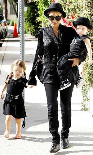 Nicole Richie and J-Lo get down with their kids