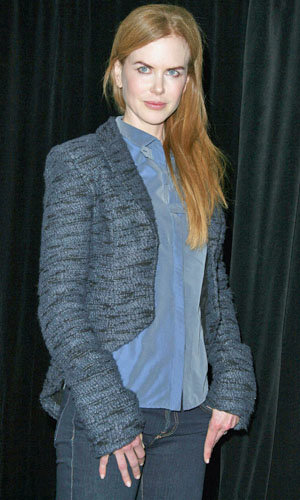 Nicole Kidman keeps her cool at Rabbit Hole press conference