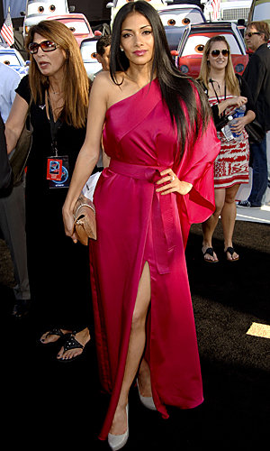 Nicole Scherzinger and Emily Mortimer wow in maxidresses