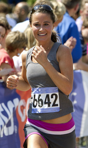 Pippa Middleton takes the Blenheim Palace triathlon in her stride