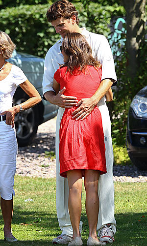 SEE PICS: Pippa Middleton styles it up at the cricket in London