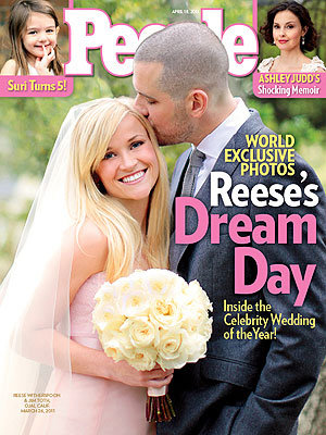 SEE PIC: Reese Witherspoon wows in a pale pink wedding dress