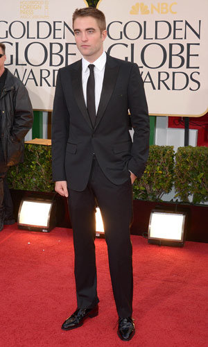 Robert Pattinson looks dapper in Gucci at the Golden Globes 2013