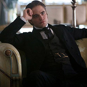 SEE PIC! Robert Pattinson plays French lover