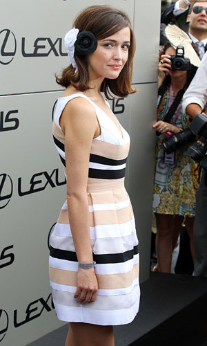 Rose Byrne rocks a '60s short hairstyle