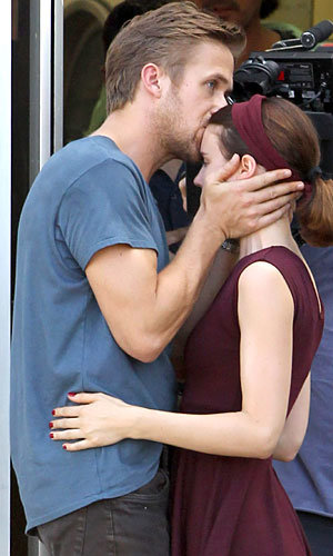 Ryan Gosling and Rooney Mara go in for the kiss!