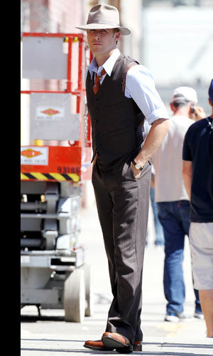 HOT REUNION: Ryan Gosling is back with former co-star Emma Stone in Gangster Squad! SEE pics…