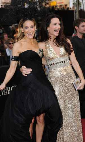 SJP and co walk the red carpet for SATC2 London premiere
