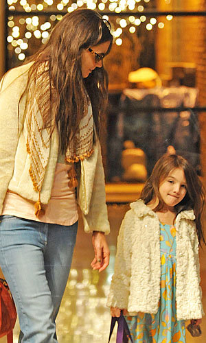 CUTE PICS! Katie Holmes and Suri Cruise out and about in New York