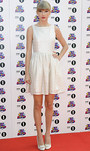 One Direction and Taylor Swift rock Radio 1 Teen Awards