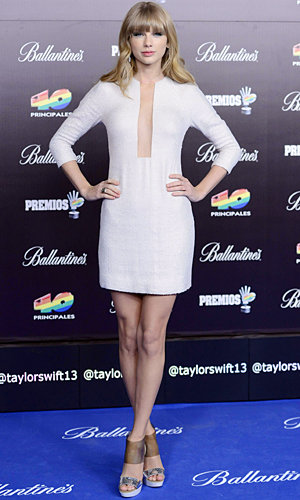 Taylor Swift goes for the plunge in Madrid