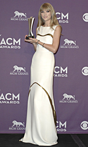 Red carpet fashion at the Country Music Awards!
