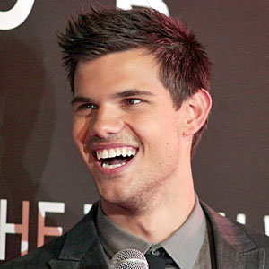 Taylor Lautner takes Sydney by storm at Abduction premiere