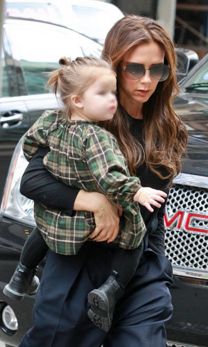 Harper and Victoria Beckham enjoy a girls' day out!
