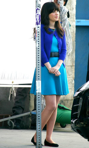 SEE PIC: Zooey Deschanel on set of New Girl!
