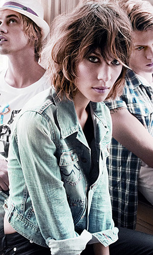 Alexa Chung struts her stuff for Pepe Jeans!