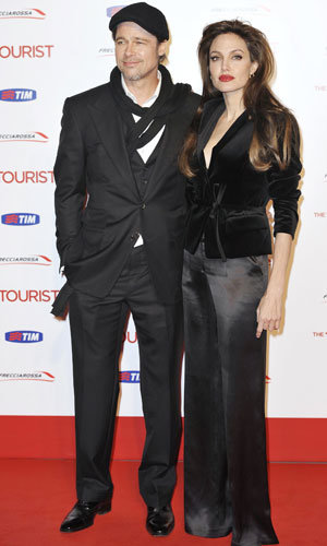 GET HER LOOK: Angelina Jolie does vintage glamour at The Tourist premiere
