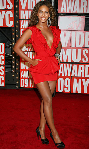 The MTV Video Music Awards: All the fashion!