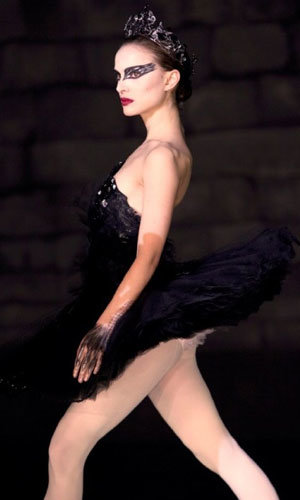 Golden Globe-tipped Black Swan set to become 2011's most stylish film