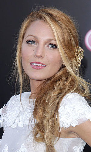 HAIR TREND: Blake Lively works the red carpet plait